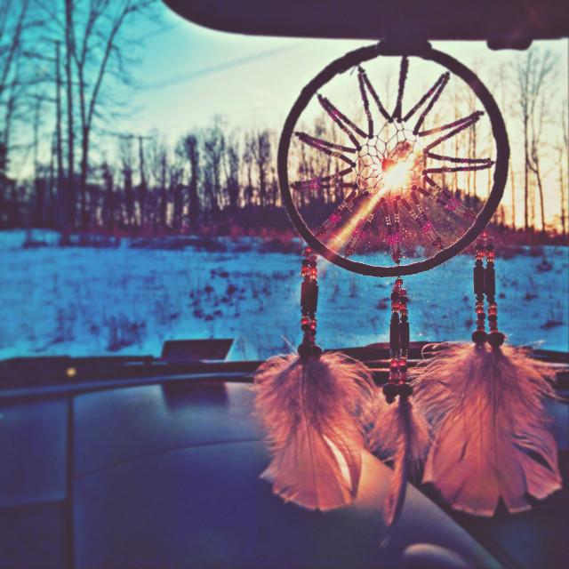 Follow me on Instagram @hazydaisyy #sunset #sunflare #dreamcatcher #snow #photography